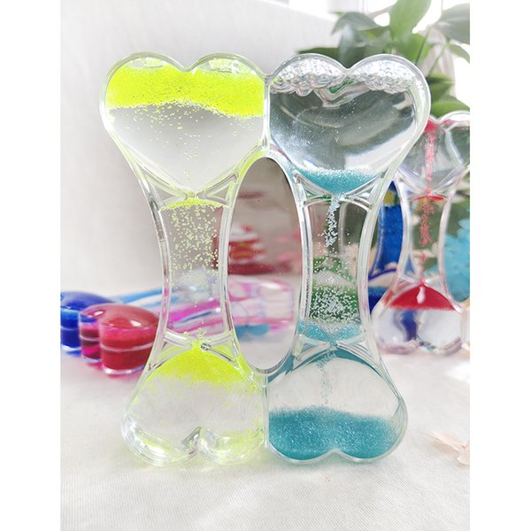top popular Double peach heart interesting oil hourglass timer acrylic sand oil spills children's arts and crafts pieces 2021