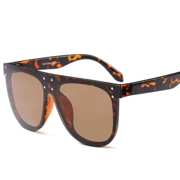 2 lunettes de soleil