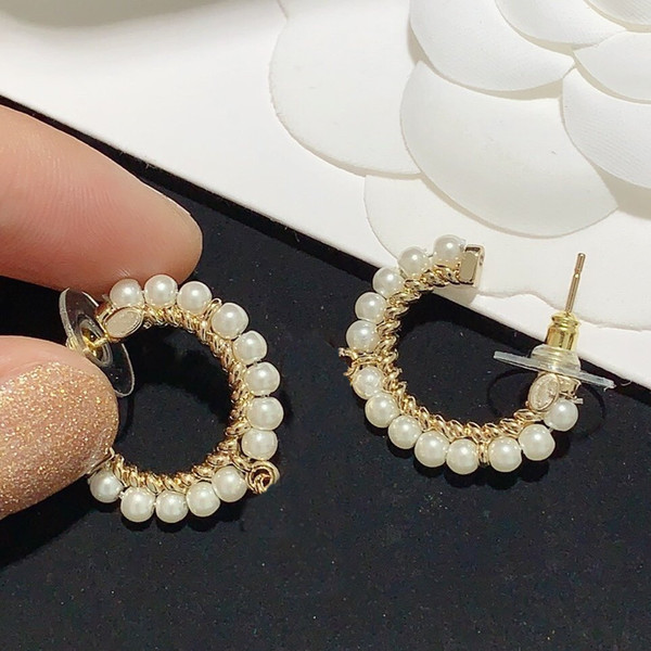 best selling Fashion Earrings Beaded Pearl Earrings for Woman High Quality 925 Silver Needle Earrings Personality Charm Jewelry Supply