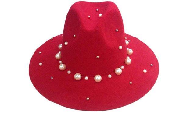 Trilby chapeaux rouges