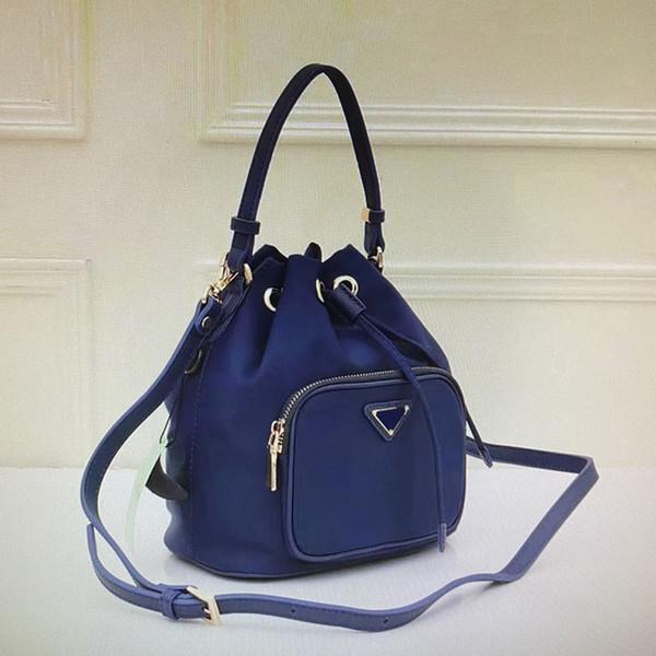 40 Blue (21x25x13cm)