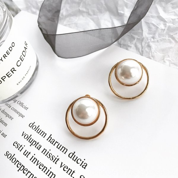 Clip del oído hueco alrededor de la perla