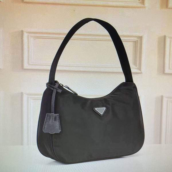 22 Black (27x18x8cm)