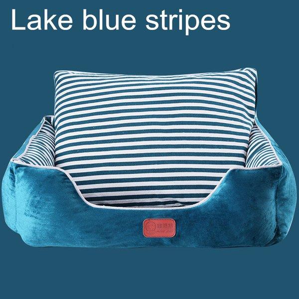 Göl mavi çizgili