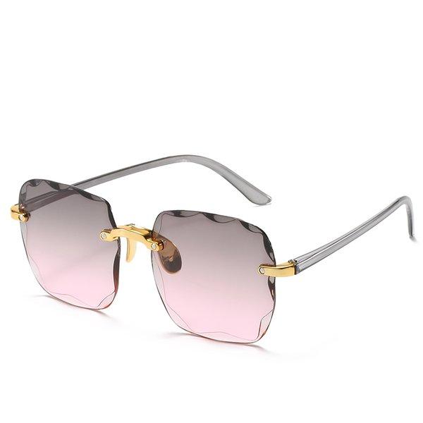 серый розовый объектив