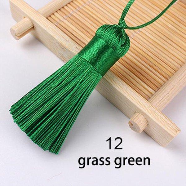 12 Grasgrün.