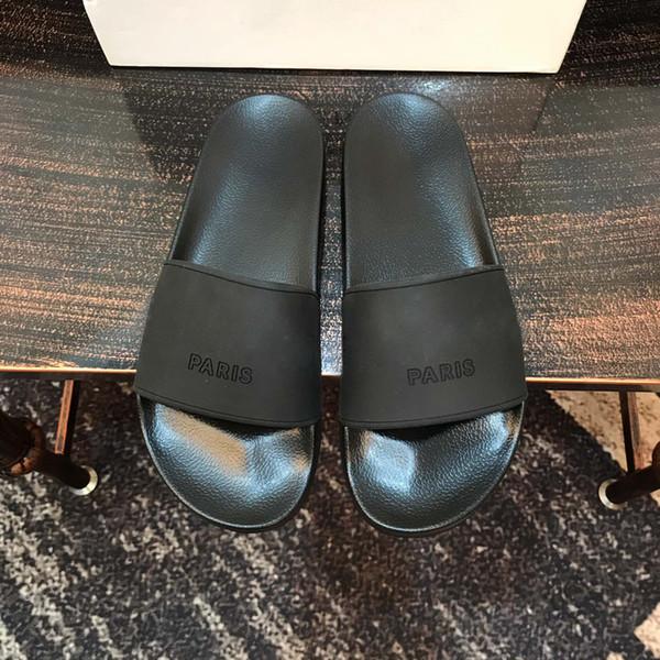 top popular New Version Paris Slides Mens Womens Summer Sandals Beach Slippers Ladies Flip Flops Black Leisure Slider Chaussures Fashion Scuffs Footwear 2021