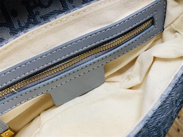 sacchetto della sella grigio
