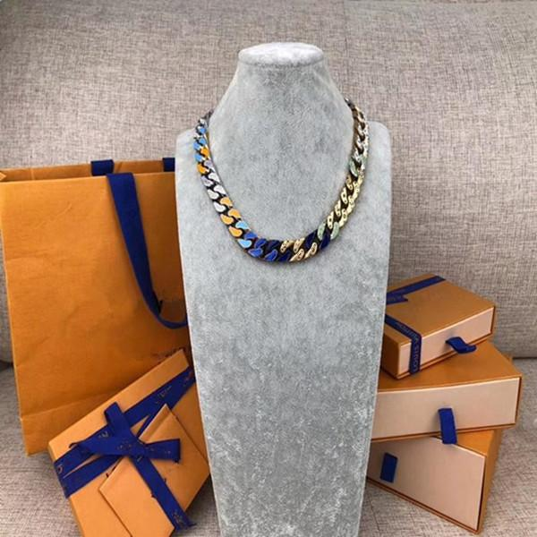B ожерелье