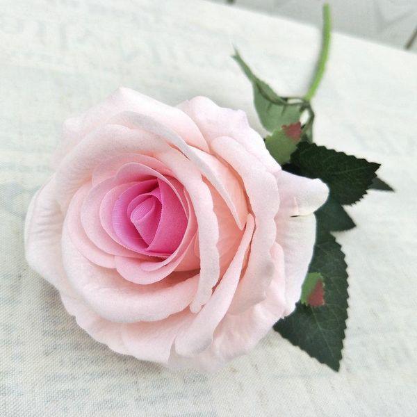светло-розовый