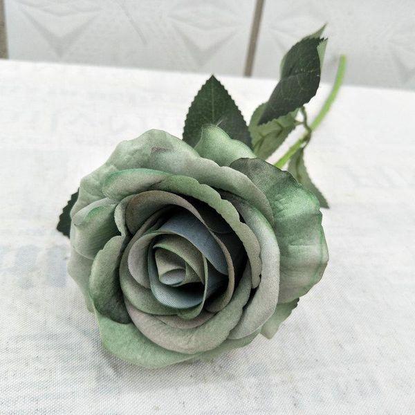 Серый зеленый
