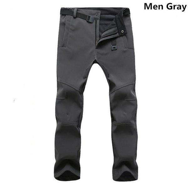 Hommes gris