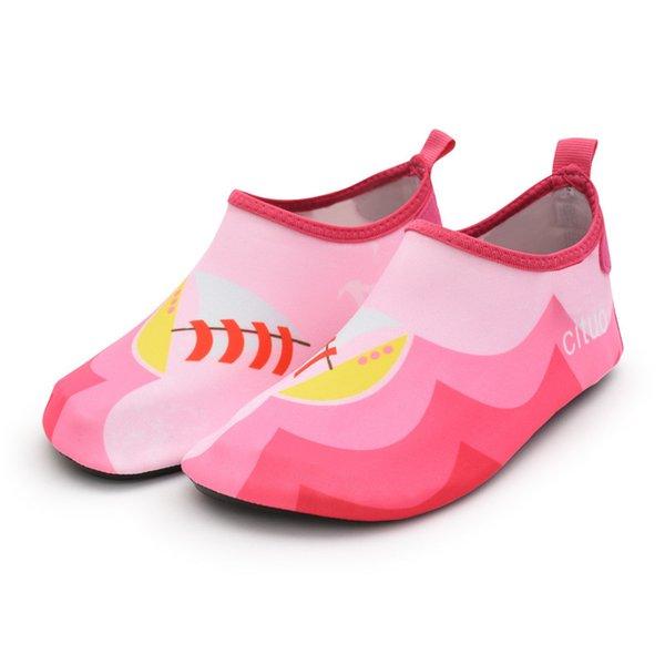 rosa Segelboot