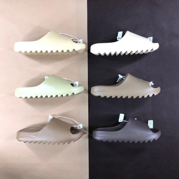 top popular High quality kanye sandals shoes foam triple black white red slide bone resin desert sand earth brown men womens slippers sneakers 544da 2020