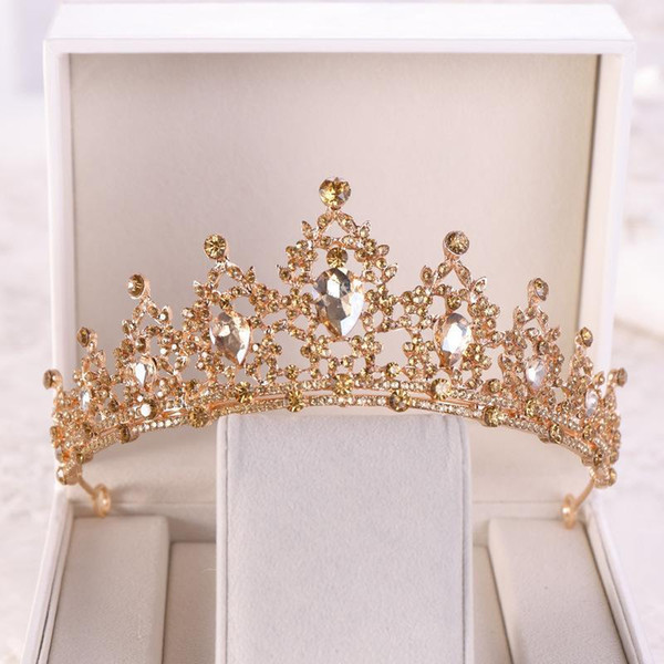 top popular Baroque Gold Champagne Crystal Heart Bridal Tiaras Crown Rhinestone Pageant Diadem Veil Tiara Headbands Wedding Hair Accessories1 2021