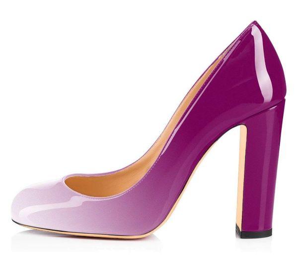 Blanco-púrpura.