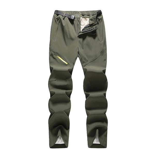 Pantalones verdes del ejército