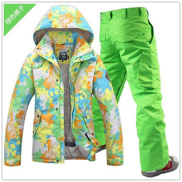 Abbina i pantaloni verdi