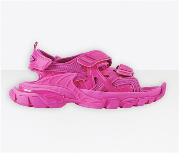 No.34 [track sandal]