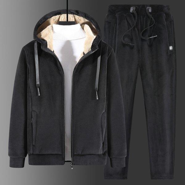 Costume noir plate