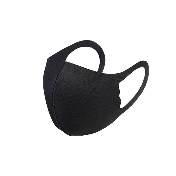 bambini nero con il sacchetto del opp