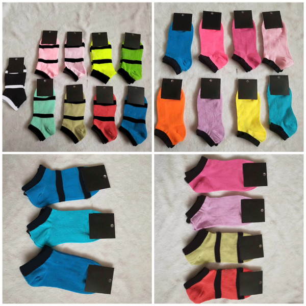 best selling Multicolor Ankle Socks With Cardboad Tags Sports Cheerleaders Black pink Short Sock Girls Women Cotton Sports Socks Skateboard Sneaker