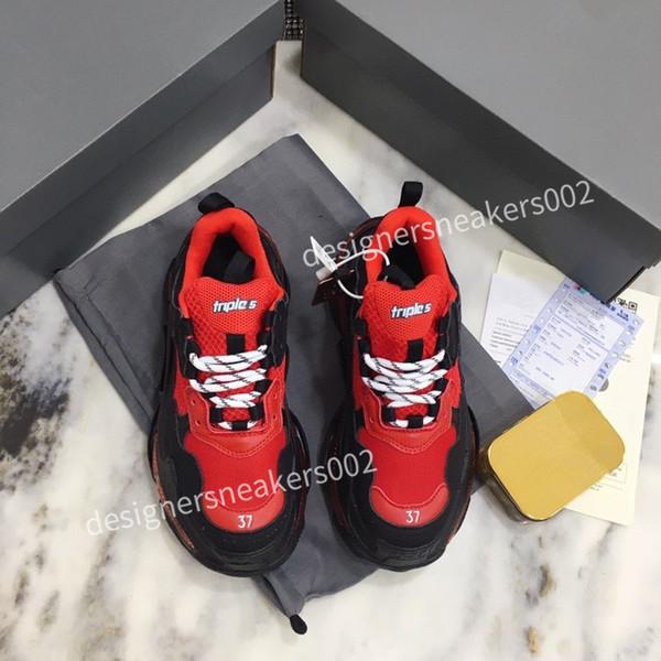 2021Woman Black Walking Sneakers Men Women Black Red Casual Shoes Fashion Paris Sneakers yx201226
