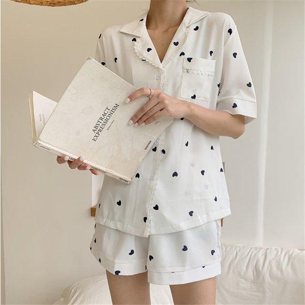 Yaz takım elbise beyaz