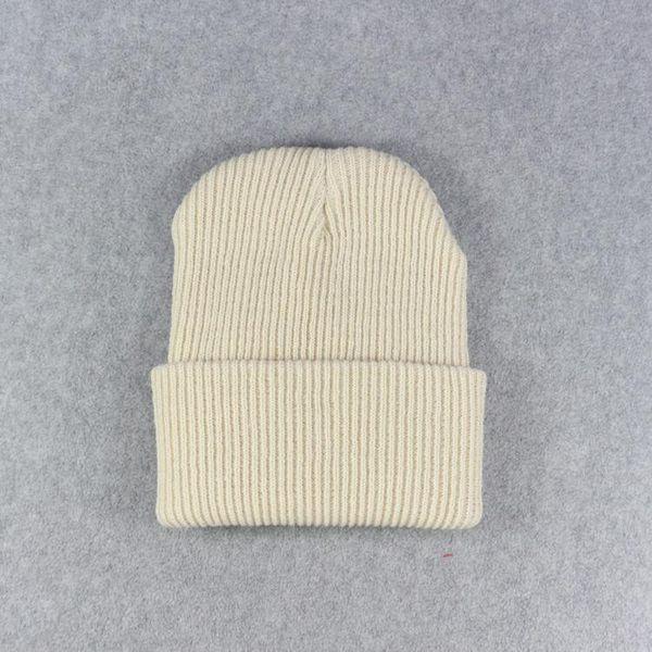 Бежевые кепки