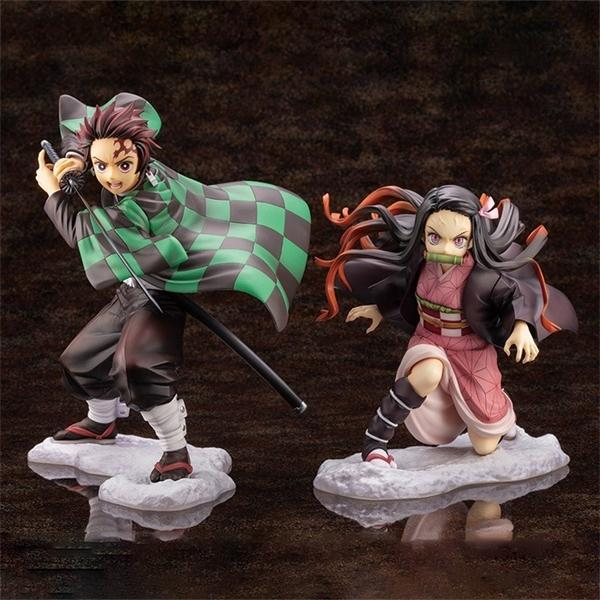 top popular 17cm Demon Slayer Kimetsu no Yaiba Nezuko Kamado Tanjirou Action Figure Anime Figure Model Toys Collection Doll Gift 1008 2021