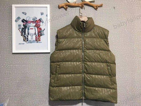 top popular catwalk model, full of printed female down jacket vest, filled down, original hardware customization, original details are perfect, both boy 2020