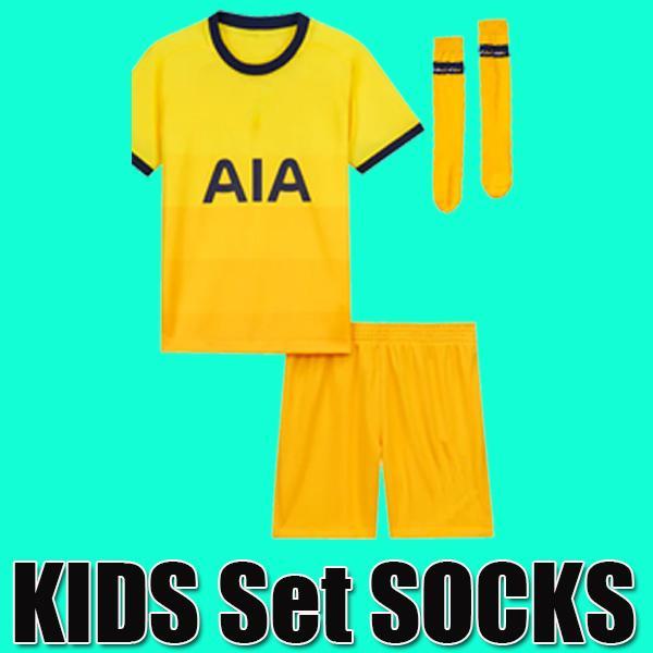 3 çocuk + çorap