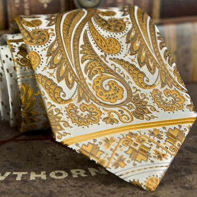 E8 Krawatte