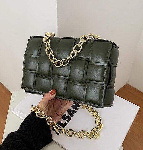 Verde con cadena