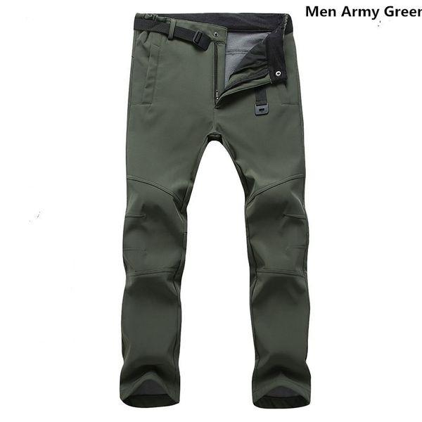 Hommes armée verte