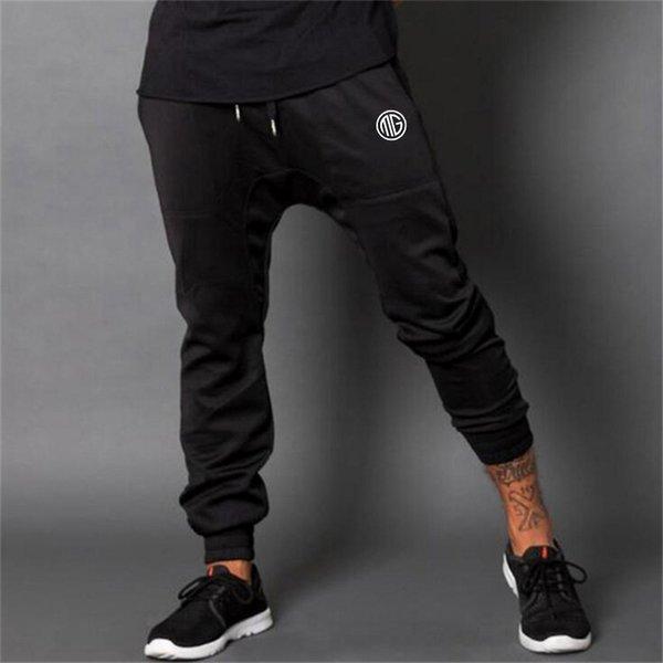 schwarz 08.