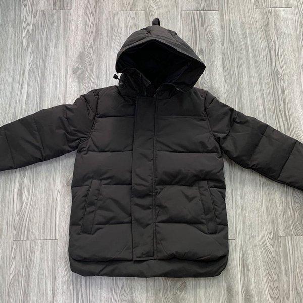 E48 Men Black