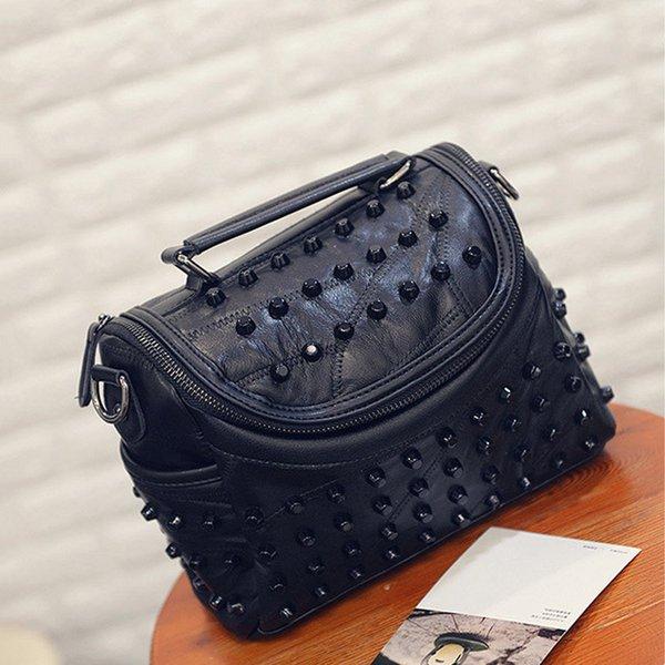 siyah haberci çantası