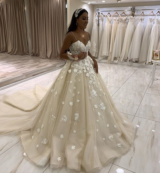 champagne 3d appliques spagehtti straps backless wedding dress ball gown vestido novia with court train lace wedding gowns bride dress, White