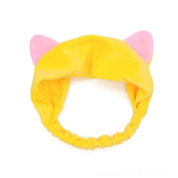 Кошка имеет желтые уши # 573