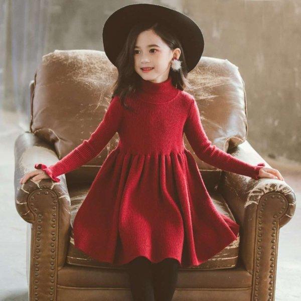 Vestido rojo de vino sin terciopelo.