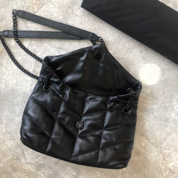 best selling 2019Fashionable ladies handbags, shoulder bags, made of lambskin, soft and delicate, feel like embracing clouds, matte matte hardware