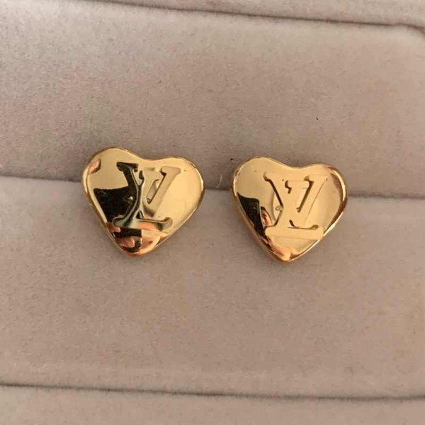 top popular 3 Colors High Polished Extravagant Design Women Earrings Small Size Heart Lover Stainless Steel Earrings For Girl Lady Gifts Wholesale 2021