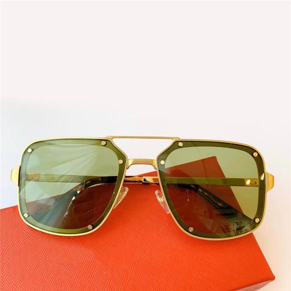 Altın çerçeve yeşil lens