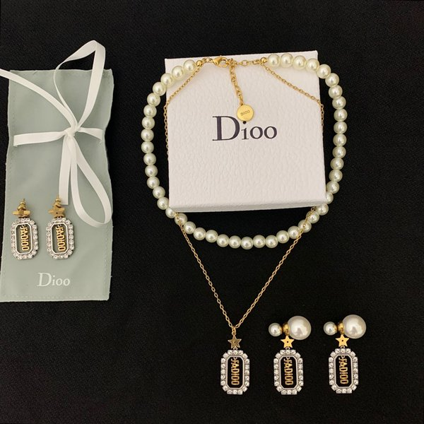 best selling 2020 CD new luxury female designer diamond-studded pearl clover necklace bracelet 925 silver needle pearl earrings two-tone