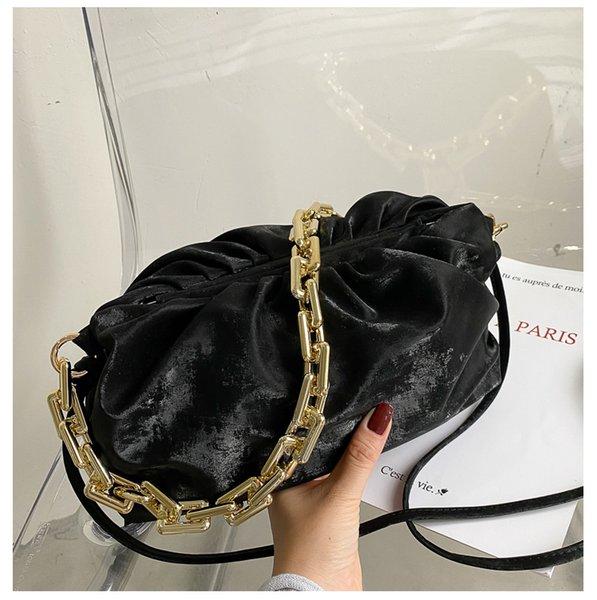 Черная наплечная сумка