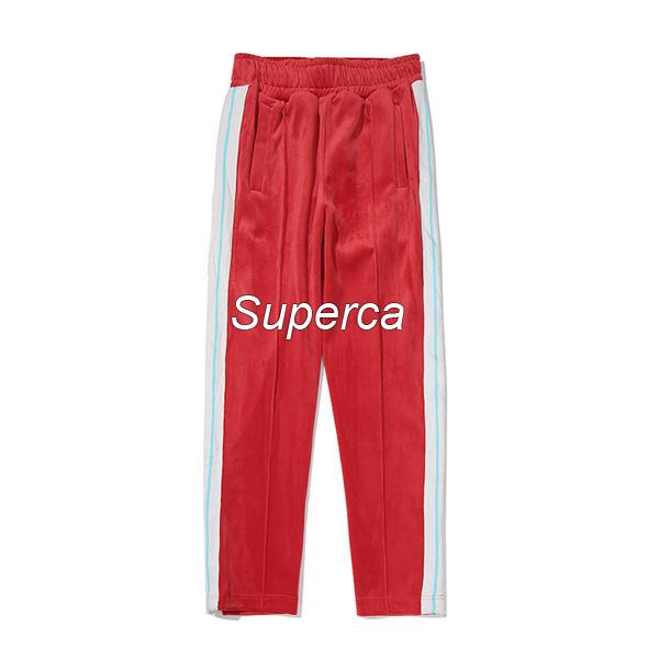 Kırmızı pantolonlar