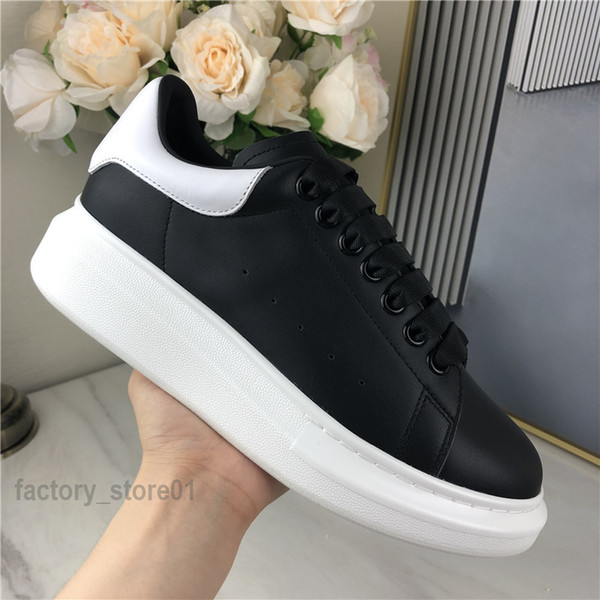 top popular New Season Trendy Casual Shoes Paris Mens Womens Fashion Sneakers Street 3M Reflective Black Dress Shoe Platform Chaussures Tennis 2021