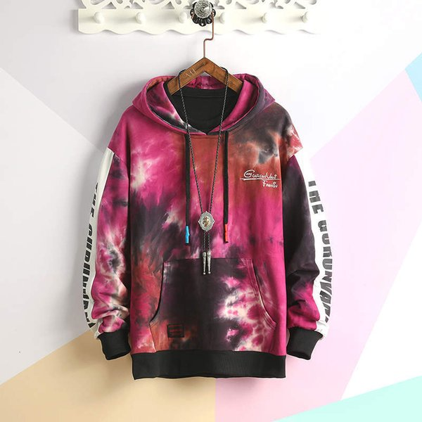 Homens cor-de-rosa do hoodie