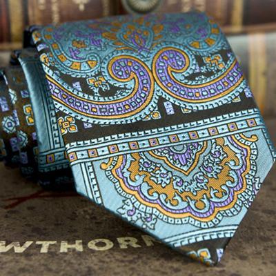 E10 Krawatte